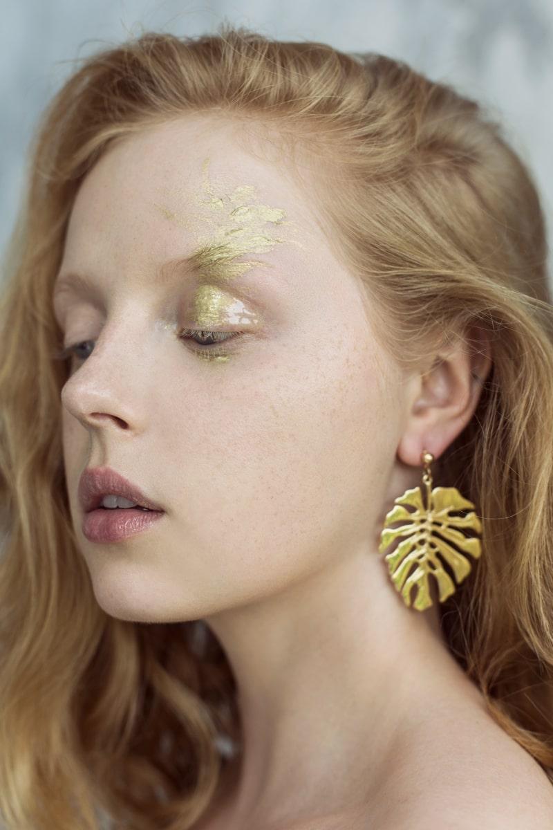 "Monika Dembińska - Anywhere Magazine – ""Gold"""